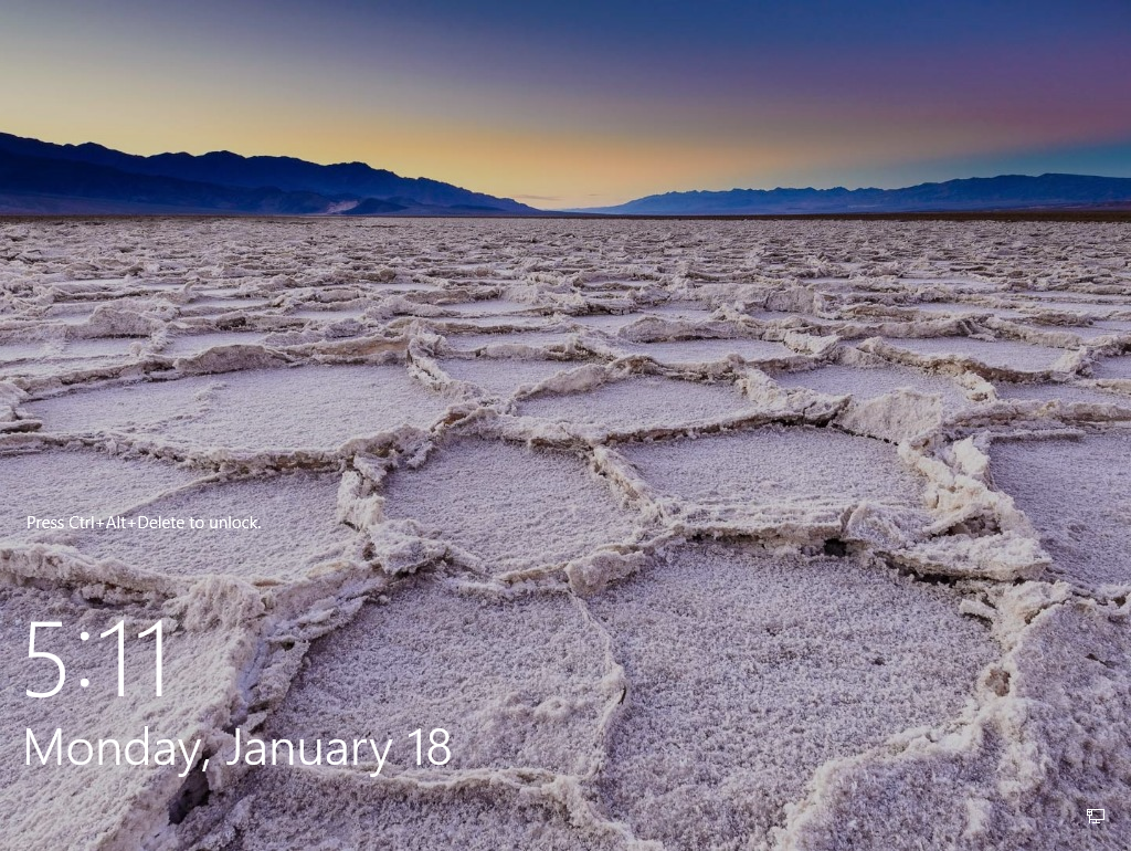 How to change default lock screen image in Windows 10