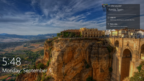 Windows 10 lockscreen default