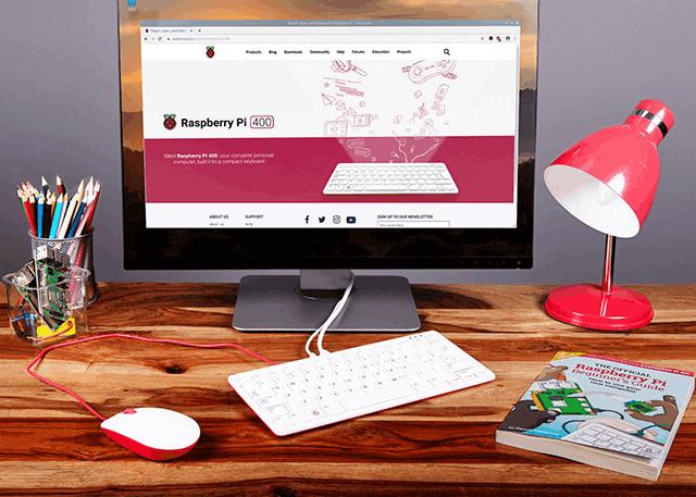 Raspberry Pi 400 Desk